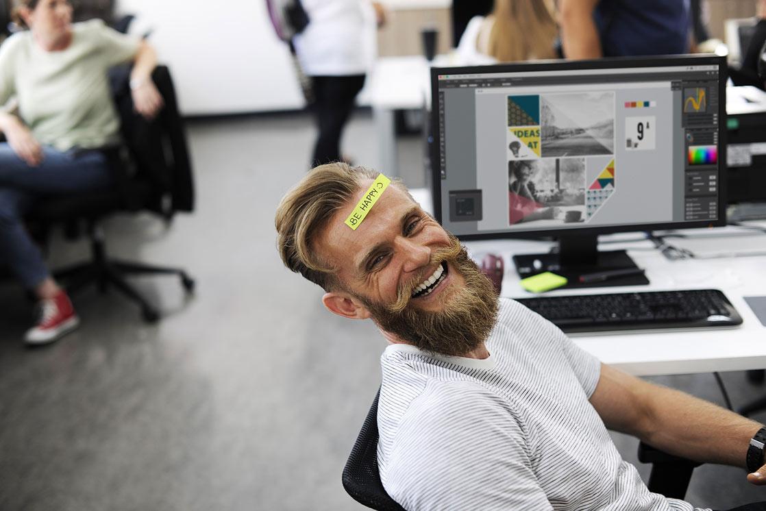 精神面 笑顔 男性